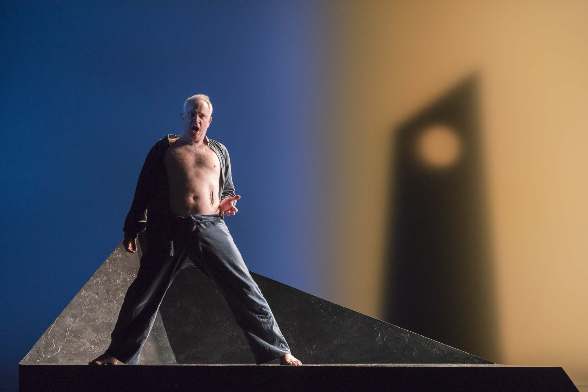 London-Theatre-and-Opera-Photographer-003-Opera-Photography-Tristan-und-Isolde-by-Richard-Wagner-at-Longborough-Opera