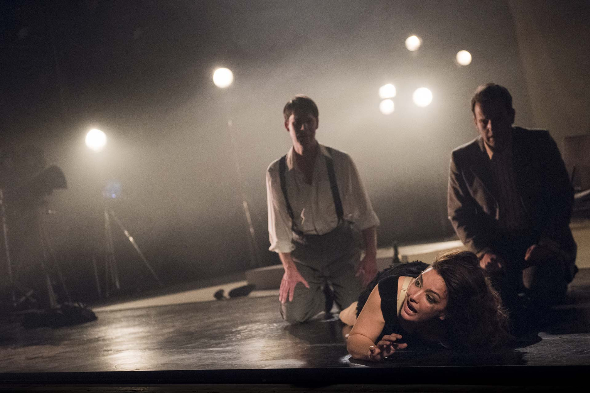 London-Theatre-and-Opera-Photographer-015-Opera-Photography-Un-Ballo-in-Maschera-by-Giuseppe-Verdi-at-West-Green-House-Opera